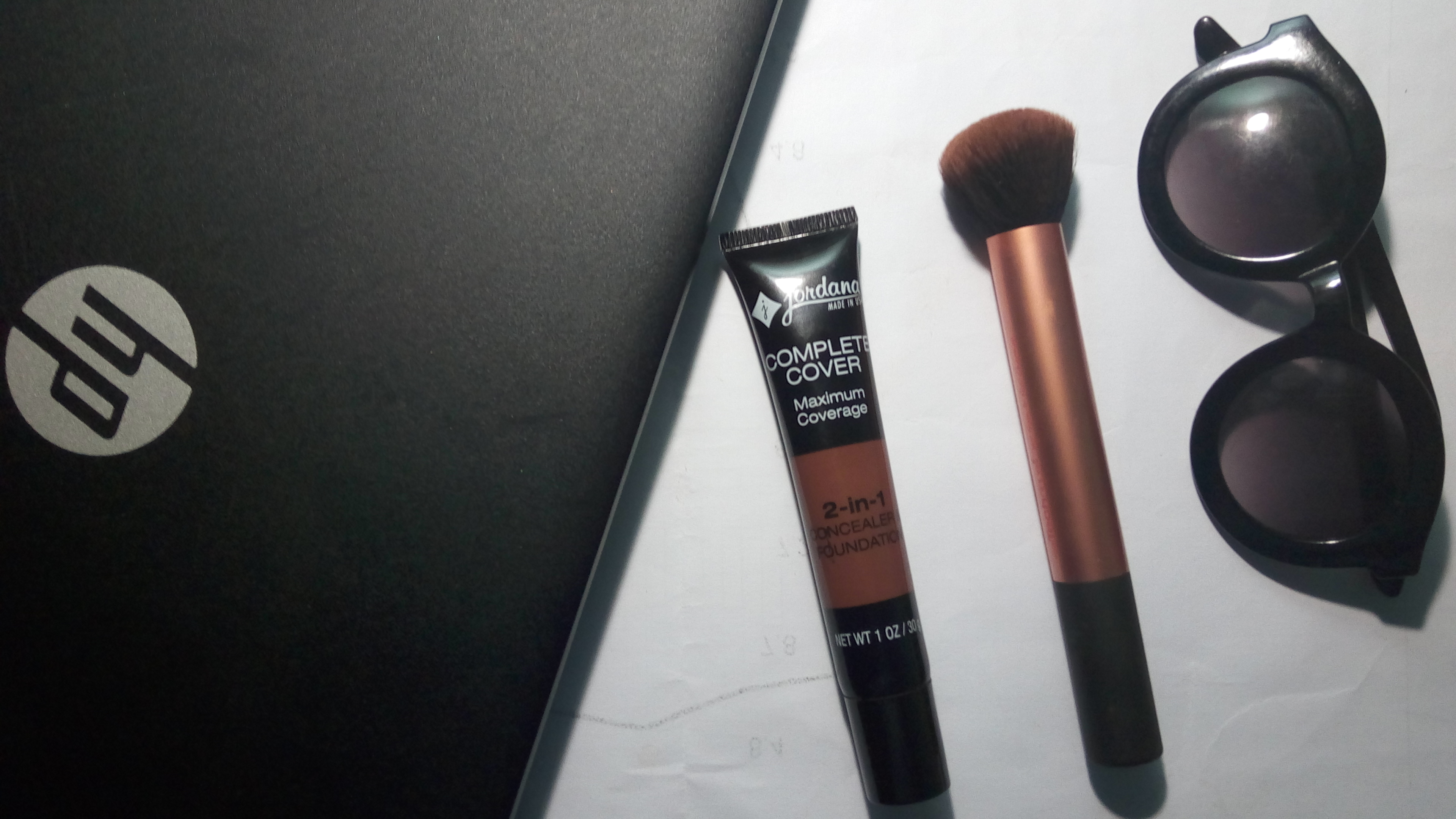 JORDANA 2-IN-1 CONCEALER & FOUNDATION
